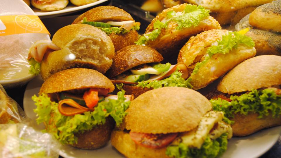 Mittagstisch bei Webders Backstube, kleine Snacks für zwischendurch, Frische Brötchen, Backstube